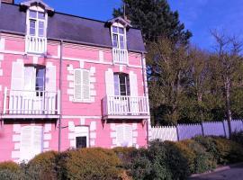 Les Muguets, budget hotel in Villers-sur-Mer