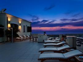 Hotel Villa Carolina, hotel in zona Porto di Forio D'Ischia, Ischia