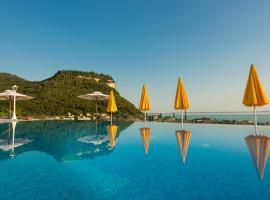 Sky Pool Hotel Sole Garda, hotel near Baia delle Sirene Park, Garda
