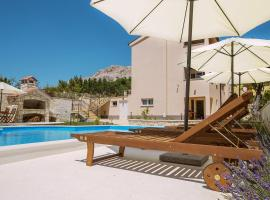 Residence Mediterraneo II, hotel with pools in Baška
