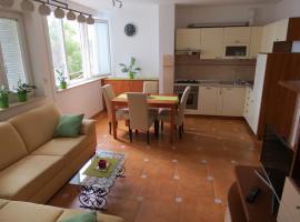 Apartment Polka, hotel near Monkodonja Hill Fort, Rovinj