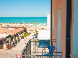 Hotel Greta B&B, hotel in zona Stazione Ferroviaria di Rimini, Rimini