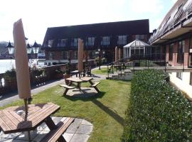 Lakeside International Hotel, hotel near Lakeside Country Club, Camberley