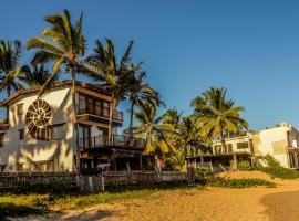 Casa Baronesa Waterfront Villa, villa in Puerto Villamil
