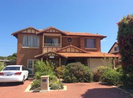 Crossland House, hotel near Hillarys Boat Harbour, Perth