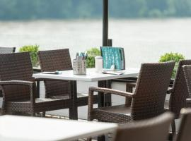 Rheinterrassen Hotel Café Restaurant, hotel near Palaces Augustusburg and Falkenlust, Widdig