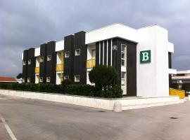 Hotel Atleti - Disponibile stazione ricarica auto elettriche -, hotel in Foggia