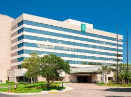 Embassy Suites by Hilton Orlando International Drive I Drive 360, hotel near Ripley's Believe It or Not!, Orlando