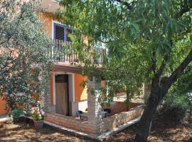 Apartments Majda, hotel with pools in Umag