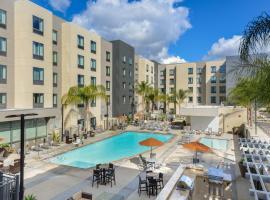 Homewood Suites by Hilton Anaheim Conv Ctr/Disneyland Main, hotel u blizini znamenitosti 'Disneyland' u Anaheimu
