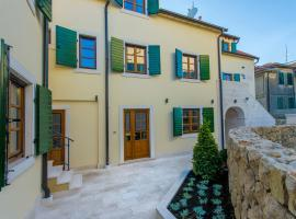 Hostel Dvor, hotel in Split