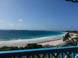 Orient Beach Waterfront Oceanview Studios, apartment in Orient Bay