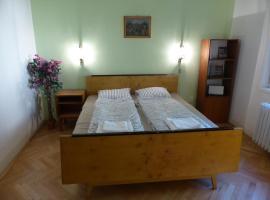 Retro Apartment, hotel v destinácii Brezno