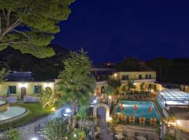 Albergo Villa Hibiscus, hotel in zona Porto di Forio D'Ischia, Ischia