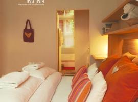 Heaven AT 11, your Deluxe Studio with personal bathroom, kitchenette & terrace, huisdiervriendelijk hotel in Gent