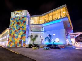 Nicholas Color Hotel, отель в городе Айия-Напа