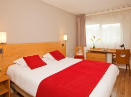 Séjours & Affaires Poitiers Lamartine, hotel near Poitiers-Biard Airport - PIS,