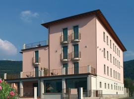 International Hotel, hotel a Iseo