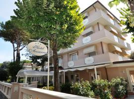Hotel Azzurra, hotel in Marina di Pietrasanta