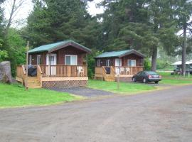 Seaside Camping Resort Studio Cabin 3, resort village in Seaside