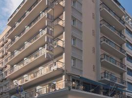 Triton Hotel Piraeus, hotel in Piraeus