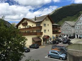 Alpenhotel Schlüssel, hotel in Andermatt