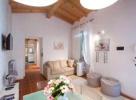 Sole&Luna Comolake Apartments, boutique hotel in Como