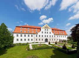 Schloss Lautrach, hotel in zona Aeroporto di Memmingen - FMM, Lautrach