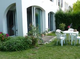 Au Jardin, accessible hotel in La Rochelle