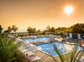 Aminess Maravea Camping Resort Mobile Homes, hotel in Novigrad Istria