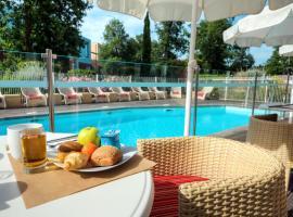 Zenitude Hôtel-Résidences Le Parc de l'Escale, hotel near Toulouse-Blagnac Airport - TLS,