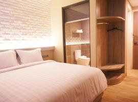 Expressia Hotel Makassar, hotel dekat Pantai Losari, Makassar
