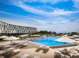 Family Hotel Amarin, beach hotel in Rovinj