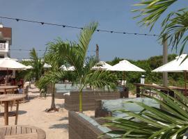 ICONA Avalon, hotel with jacuzzis in Avalon