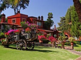 Villa San Jose Hotel & Suites, hotel in Morelia