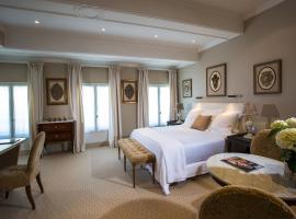 Hotel d'Europe, hotel near Grand Avignon Golf Course, Avignon