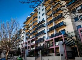 Apartments on Mounts Bay, hotel near State War Memorial, Perth
