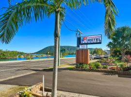 Woongarra Motel, hotel near Dunbogan Boatshed and Marina, North Haven