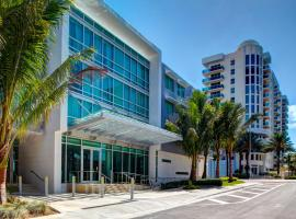 Residence Inn by Marriott Miami Beach Surfside, отель в Майами-Бич