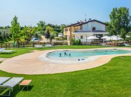 Agriturismo B&B Corte Tonolli, glamping site in Valeggio sul Mincio