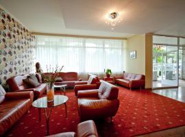 In Hotel, отель в Хайдусобосло