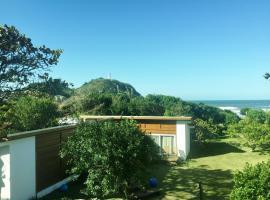 Casa da Ilha do Mel - Pousada de Charme, hotel in Ilha do Mel