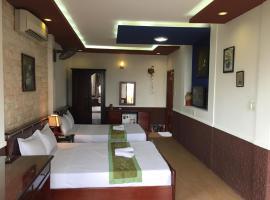 Sunny B Hotel, hotel in Hue