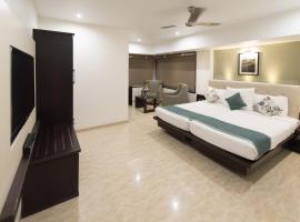 Hotel Le Grande, hotel near Chhatrapati Shivaji International Airport Mumbai - BOM, Mumbai