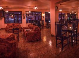 Ebony Hotel, hotel in Huaraz