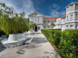 Macalister Mansion, hotel near Gurney Drive, George Town