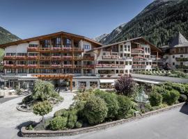 Das Central – Alpine . Luxury . Life, hotel in Sölden