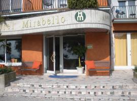 Hotel Mirabello, hotel in zona Terme Catullo di Sirmione, Sirmione