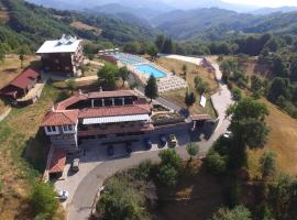Panorama Family Hotel, hotel with parking in Zlatograd