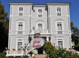 Esedra Hotel, hotel a Rimini